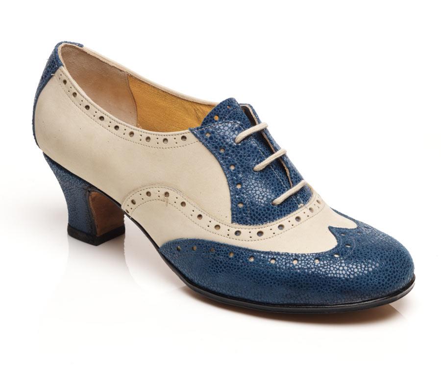 Ladies oxford wingtip blue white